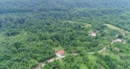 Lika-Plitvice-Rešetar 150.000m2 prekrasne prirode, dio građevinko zemljište!